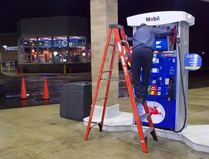 Gas Pump Cleaning